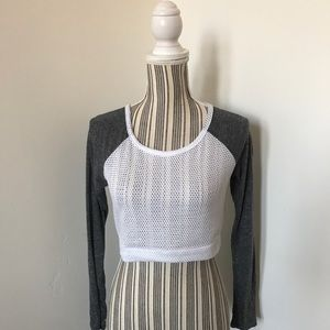 ✨ L left- Mesh White and Gray Crop Top